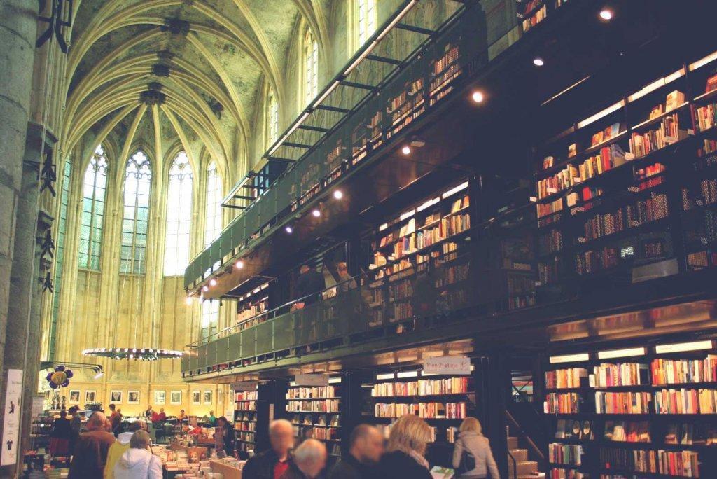 bookstore_vangardist