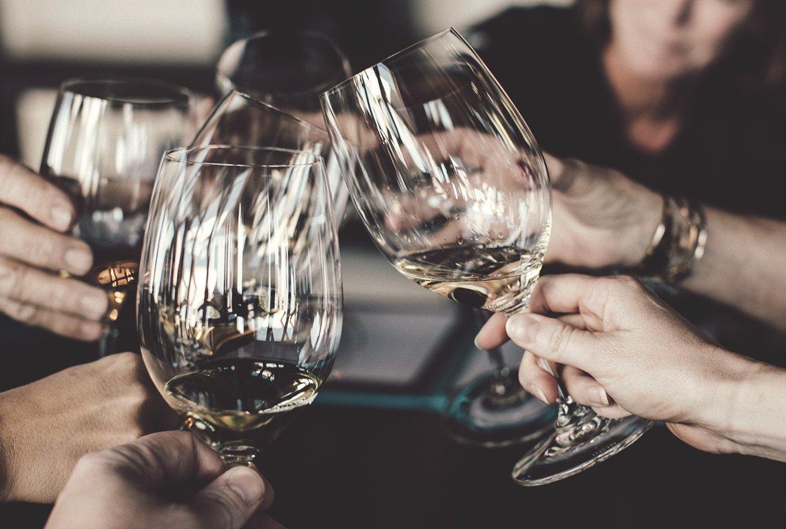 drink_wine_day_vangardist_header